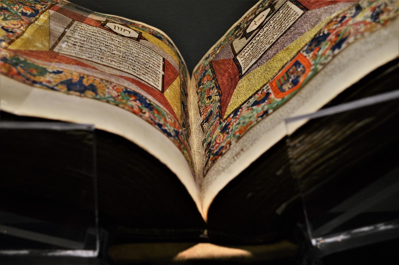 Biblia Hebrea, España y Portugal Foto Ireli Vázquez