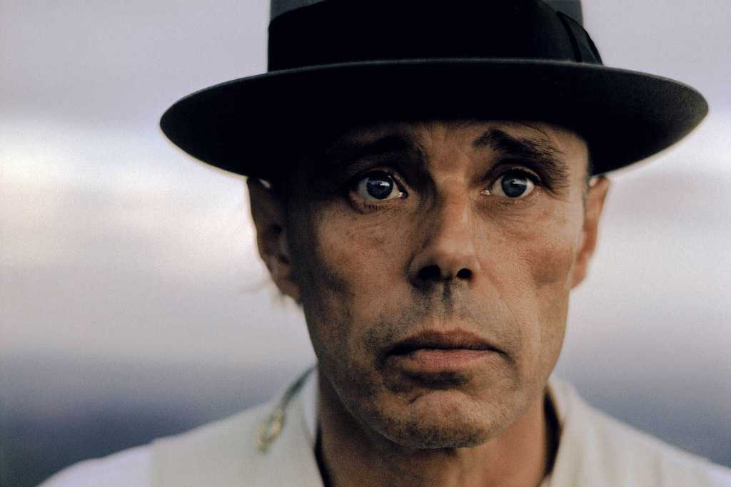 Joseph Beuys, indivisible